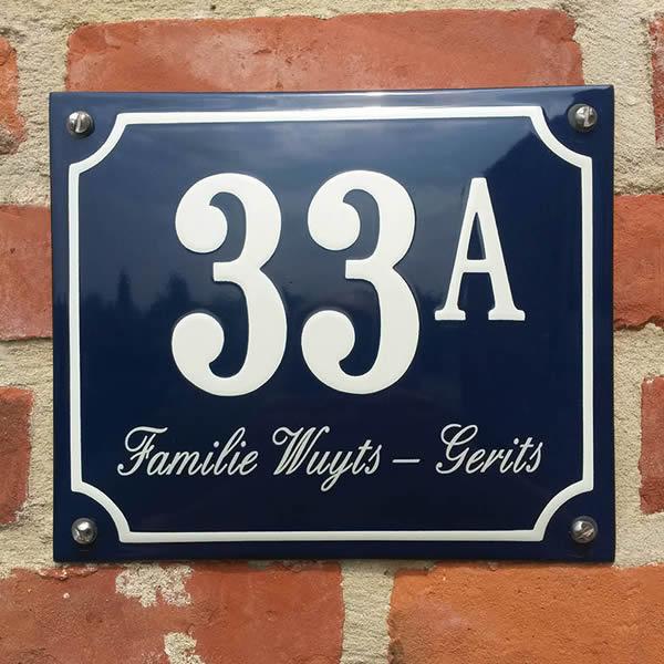 Emaille huisnummer met naam kader (19x16 cm)