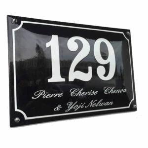 Emaille huisnummer met naam kader (30x20 cm)