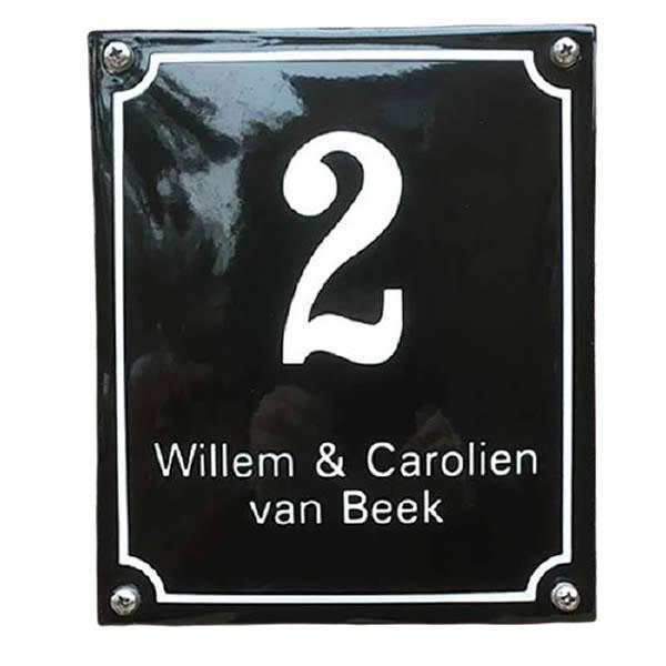 Emaille huisnummer met naam kader (16x19 cm)