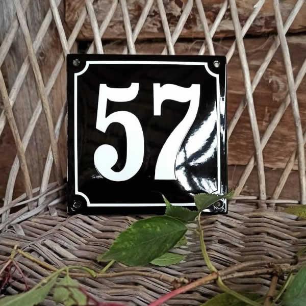 Emaille huisnummer gebold kader zwart (10x10 cm)
